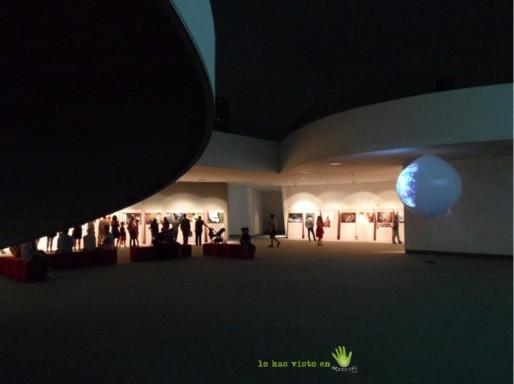 interior cupula niemeyer exposición